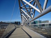 Pont piétonnier moderne à Oslo Images stock