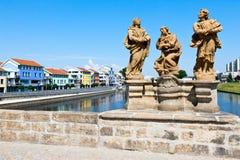Pont pierreux gothique, rivière d'Otava, ville Pisek, République Tchèque images stock