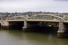 Pont R-U de ville Images stock
