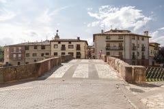 Pont roman du ³ n, accès de Molina de Aragà à un des voisinages de la ville, de l'autre images libres de droits