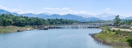 Pont Sangkhlaburi de lundi Image libre de droits
