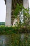 Pont sur 80 d'un état à un autre près de Cleveland, Ohio images libres de droits