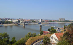 Pont sur la rivière Danube Photos libres de droits