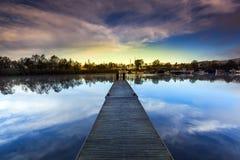 Pont sur le lever de soleil Photos libres de droits