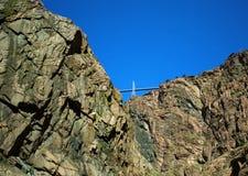 Pont suspendu à travers la gorge royale dans le Colorado Images libres de droits