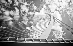Pont suspendu dans la ville des arts et des sciences Photos libres de droits
