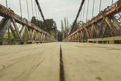 Pont suspendu de Clifden, île du sud, Nouvelle-Zélande image libre de droits