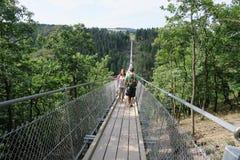 Pont suspendu simple Geierlay dans Moersdorf au moun de Hunsrueck photos stock