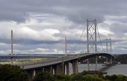 Pont vide à travers en avant la rivière Ecosse Photographie stock