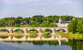 Pont Wilson på Loiren i Tours Arkivfoton