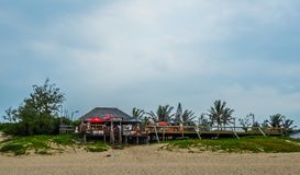 Ponta在莫桑比克做Ouro海滩-一个绿松石绿色海滩 库存照片
