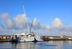 PONTA DELGADA, 2017年8月10日-游艇在Ponta Delgada港口,圣地米格尔海岛 免版税库存图片