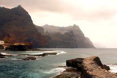 Ponta doet Sol Cliffs in Kaapverdië Stock Afbeeldingen