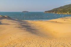 Ponta DOS Ingleses i Costao gör den Santinho stranden arkivfoto