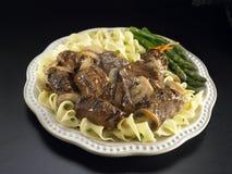 Pontas da carne com molho de cogumelo do vinho Fotografia de Stock Royalty Free