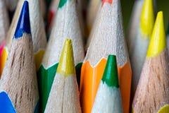 Pontas de lápis coloridos apontados foto de stock