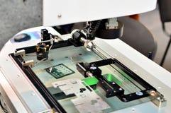 Pontas de prova do toque para o controle da qualidade em moer a máquina do CNC Sensor da ponta de prova da precis?o na metalurgia imagens de stock royalty free
