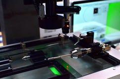 Pontas de prova do toque para o controle da qualidade em moer a máquina do CNC Sensor da ponta de prova da precis?o na metalurgia fotografia de stock