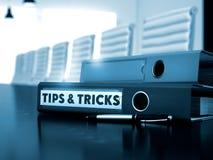 Pontas e truques na pasta do escritório Imagem borrada 3d Fotos de Stock Royalty Free