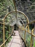 A ponte à cachoeira de Cimahi fotografia de stock