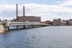 Ponte à cidade de Helsínquia em Finlandia Foto de Stock Royalty Free