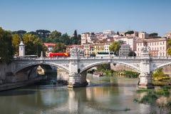 Ponte维托里奥Emanuele II,一座桥梁在罗马 库存照片