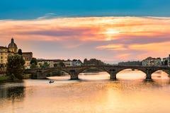 Ponte all Carraia på solnedgången Arkivfoto