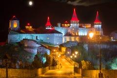 Ponte alla notte della fortezza Fotografie Stock