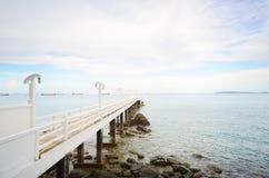 Ponte alla spiaggia Immagini Stock
