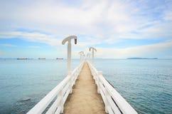 Ponte alla spiaggia Immagini Stock Libere da Diritti