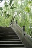Ponte antico in lago ad ovest, Hangzhou, Cina Immagine Stock