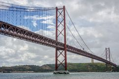 Ponte 25 aprile, Lisbona Fotografie Stock Libere da Diritti
