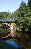 Ponte arqueada pitoresca através do rio no monastério de Alexander Nevsky Foto de Stock Royalty Free
