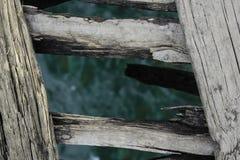 Ponte através de um córrego Fotos de Stock Royalty Free
