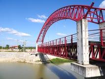 A ponte através do rio Fotografia de Stock Royalty Free