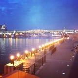 A ponte através do rio de Moscovo Foto de Stock Royalty Free