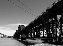 A ponte B&W do trem Foto de Stock Royalty Free