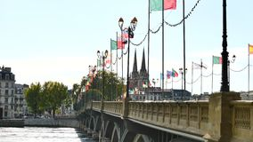 Ponte a Bayonne, in Francia sudoccidentale stock footage