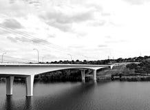 Ponte in bianco e nero sopra il fiume Colorado Fotografia Stock