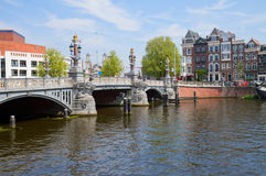 Ponte blu di Amsterdam Fotografia Stock Libera da Diritti