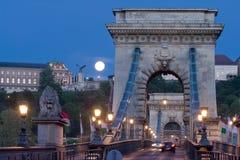 Ponte a catena e Buda Castle, Budapest, Ungheria Immagine Stock Libera da Diritti