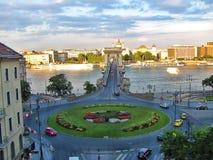 Ponte a catena e rotonda in Ungheria, Budapest immagine stock