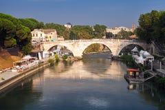 Ponte Cestio Ρωμαϊκή γέφυρα στη Ρώμη, Ιταλία Στοκ εικόνες με δικαίωμα ελεύθερης χρήσης