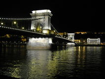 Ponte Chain de Szechenyi sobre o Danúbio fotos de stock royalty free