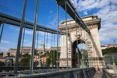 Ponte Chain e Buda Castle em Budapest fotos de stock royalty free