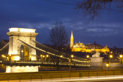 A ponte Chain e a igreja de Matthias Fotos de Stock Royalty Free