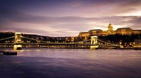 Ponte Chain e Royal Palace de Szechenyi Imagens de Stock Royalty Free