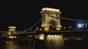 Ponte Chain em Budapest na noite video estoque