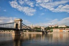 Ponte Chain em Danube River em Budapest fotografia de stock royalty free