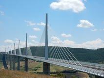 Ponte che misura una valle Immagini Stock